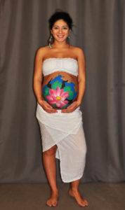 prenatal_women_bodyart_lotus